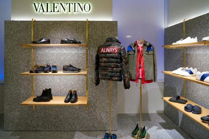 Valentino cung cấp các dòng phụ kiện thời trang cao cấp