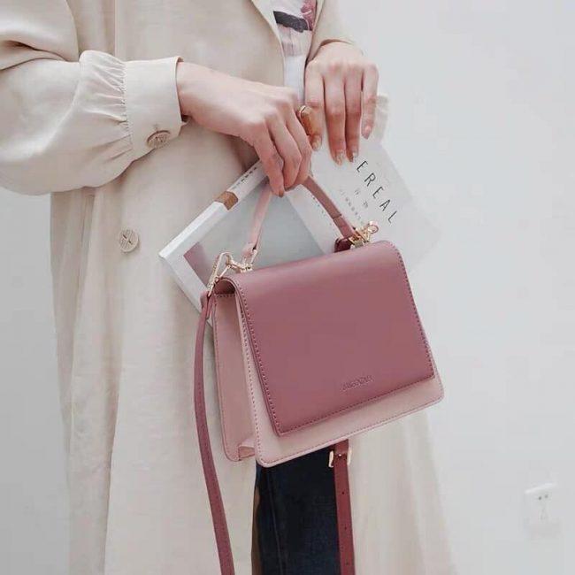 Phối đồ với túi xách màu pastel
